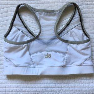 Alo Yoga Sports Bra Coolfit White Grey Small